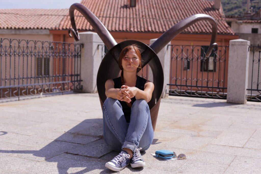 Nicole Raukamp in Orani, in der Inselmitte Sardiniens, abseits touristischer Pfade